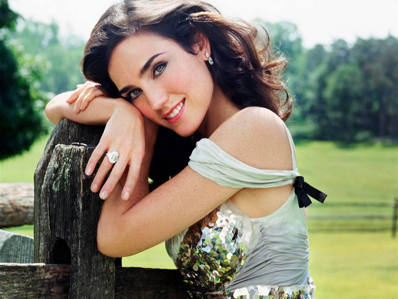 http://1.bp.blogspot.com/_cZuaghvCasw/TEqTCgdOu3I/AAAAAAAAIjU/y_uZ8Qb5nWs/s1600/Jennifer-Connelly-Wallpapers.jpg
