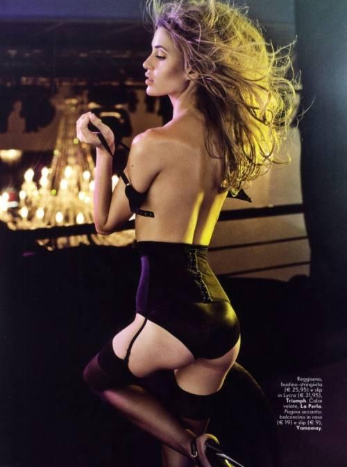 http://1.bp.blogspot.com/_c_eWWE12TP8/TOMObrmB0rI/AAAAAAAAKvY/-YY1YaqdV0s/s1600/VanityFairItalia_Novembro2010_BiancaKlamt_phSigneVilstrup_05.jpg