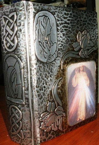 Biblia Con Jesús Misericordioso