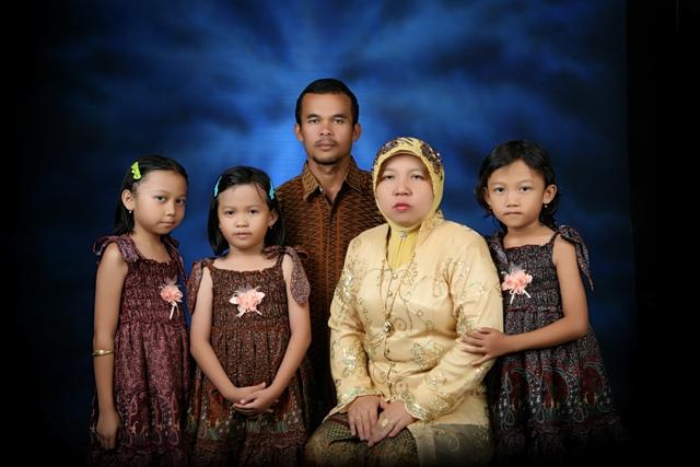 foto keluarga uus susangka s pd semoga saya bisa membina keluarga ...
