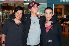 Nov 2004 last pic of boys together