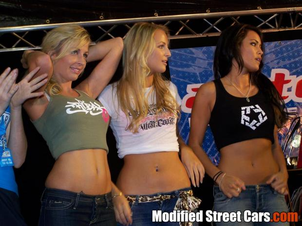 Beautiful Gold Coast Autosalon Girls Picture 2007