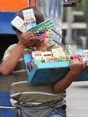 Revelan explotación de niños de la calle