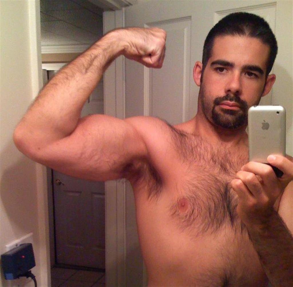 http://1.bp.blogspot.com/_ceGetlA0xkE/SvaNSvZWqHI/AAAAAAAAB-4/tcOYT3BM-XM/s1600/BearPits%2B-%2BFriday%27s%2BGun%2BShow-117.jpg