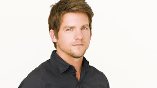 Zachary Knighton interpreta a Bryce Varley en Flash Forward