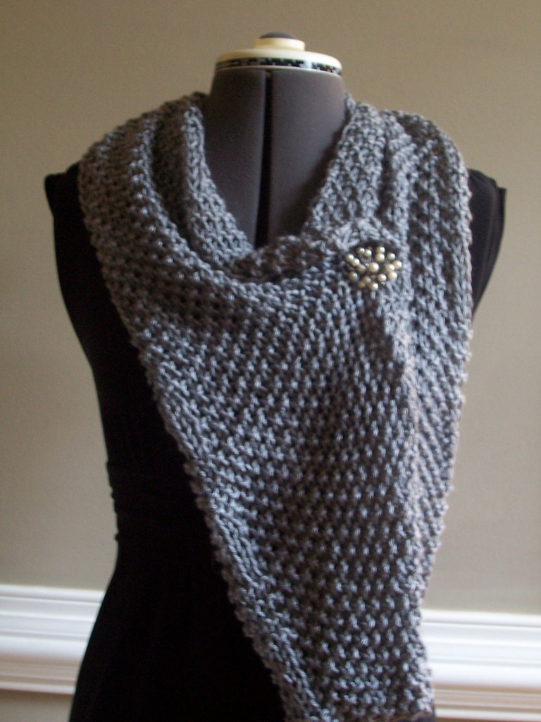 Moss Stitch Scarf Knitting Pattern : knit, crochet, & other fun stuff: knitted bliss... new moss stitch circle...