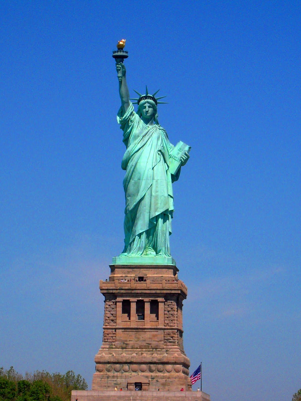 Fred to the states statue de la libert for Createur statue de la liberte