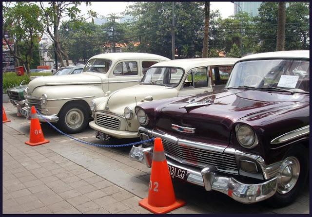 http://1.bp.blogspot.com/_cgaPpxZPJ0U/S953elOGzfI/AAAAAAAACxc/u5fZXEH28MM/s1600/Classic+car+4+rent_1.JPG