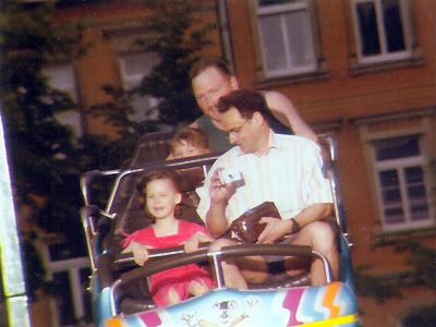 Papa und ich auf der Wilden Maus