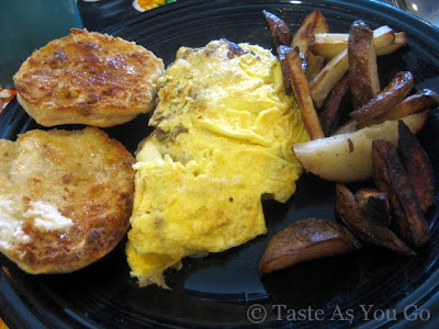 New England Omelette at Jumbars in Bethlehem, PA (Photo by Michelle Judd of Taste As You Go)