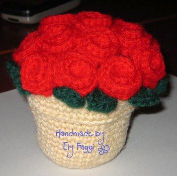 Tutorial Rose Amigurumi : Sewing, crocheting and knitting at Castel Merlino: Vaso di ...