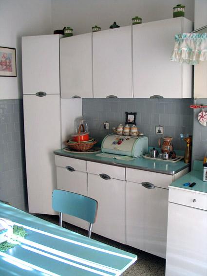 Mobili da cucina in formica ~ Mobilia la tua casa