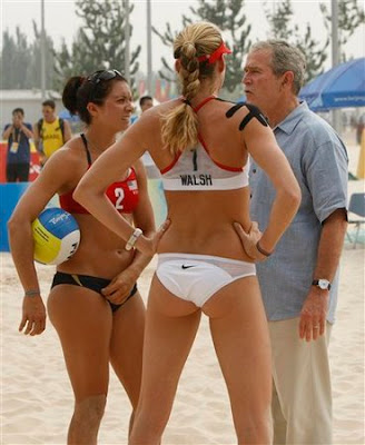 President Bush hanging with Misty May-Treanor and Kerri Walsh
