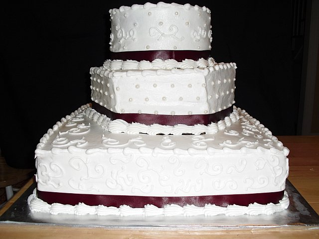 Square And Round Stacked Wedding Cakes 3 Tiered Stacked Wedding Cake