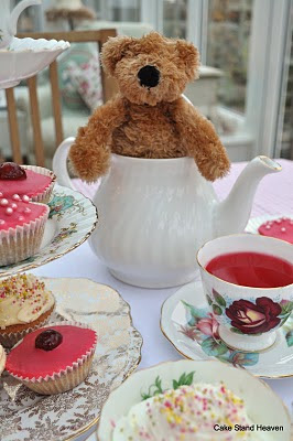 teddy in a teapot