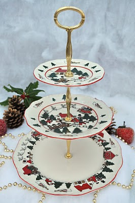 Christmas Cake Stand