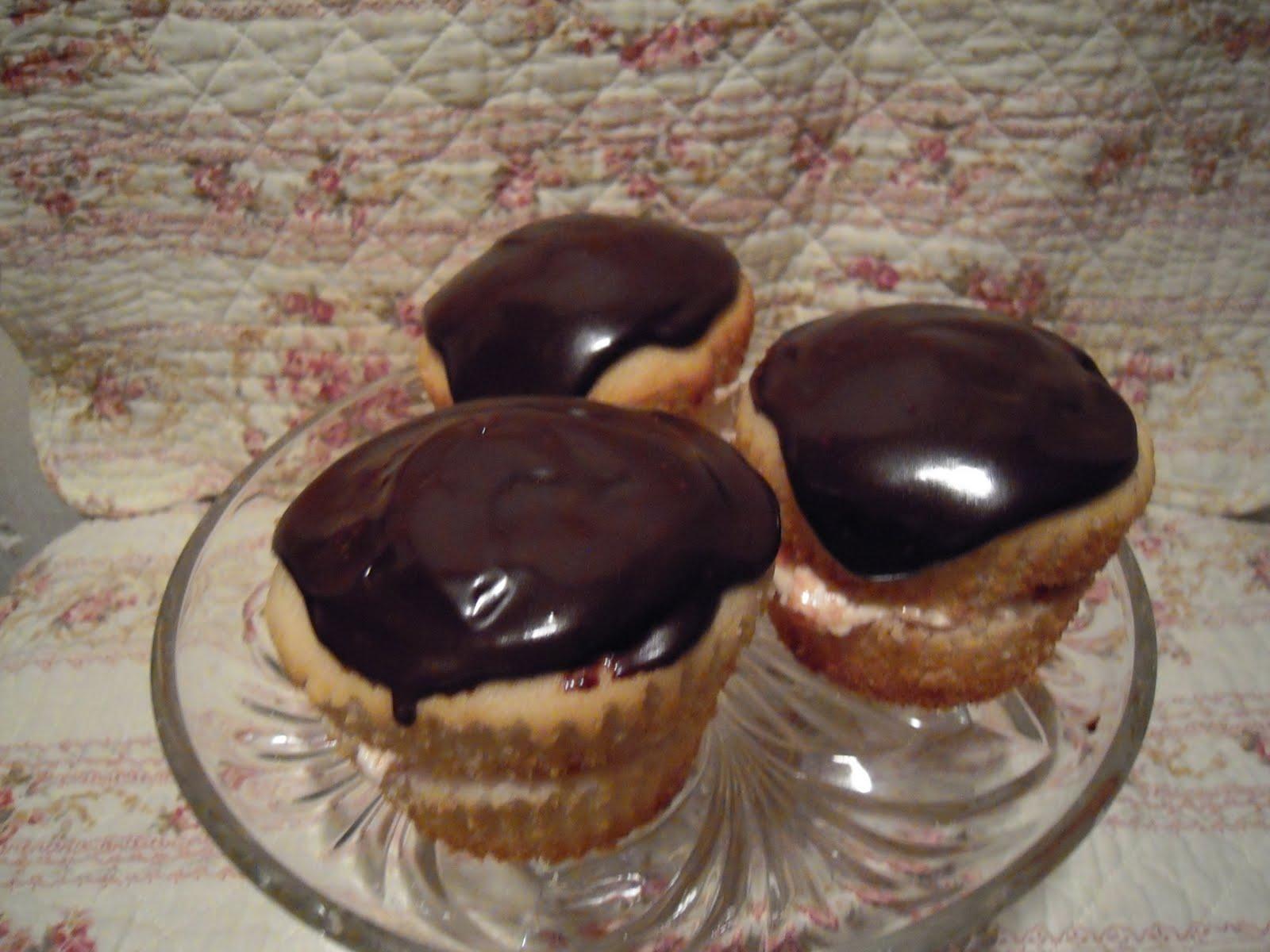 Pin Heavenly Chocolate Wedding Cakes Autumn Cake Cake on Pinterest