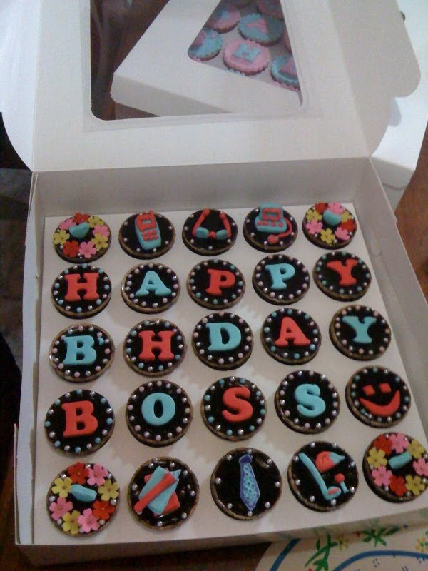 Love Suzana Cakelicious Birthday Cup Cakes For Boss