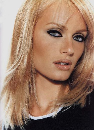 Celebrity hairstyles Amber Valletta