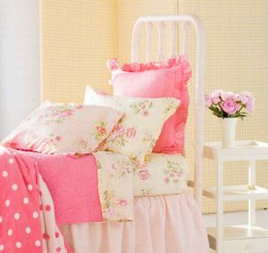Cottage Gifts and Candles: Top 5 Shabby Chic Bedding Collections