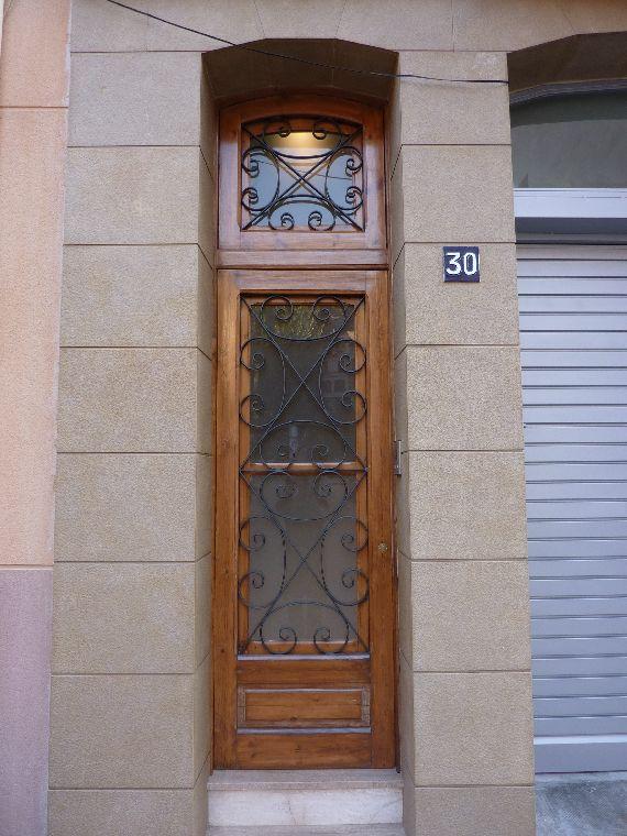 Carpinteria muebles a medida recuperaci n de puerta entrada - Medidas puerta entrada ...