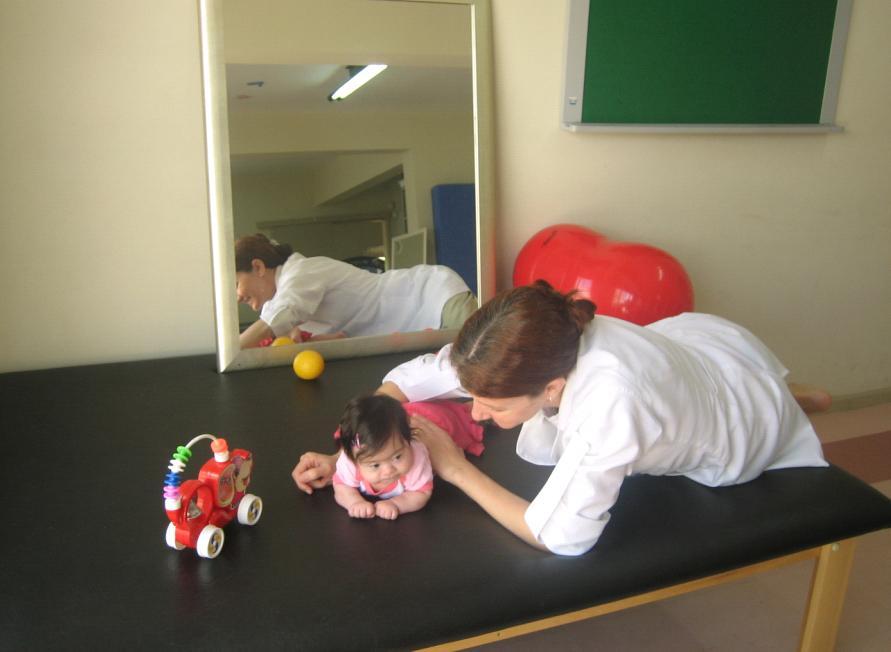 http://1.bp.blogspot.com/_cpN0dE70-BM/R1DTZEbqgsI/AAAAAAAAA-E/hYcpkGo1PhE/s1600-R/com%2BLu%2Bna%2Bfisioterapia%2B221107-1.JPG