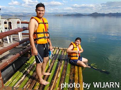 เล่นน้ำ ,เขื่อนศรีนครินทร์ , กาญจนบุรี
