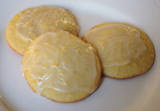 Kenzie's Kitchen: Lemon Buttermilk Cookies