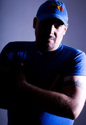 Luis Alvarado █▓▒░