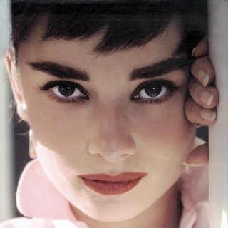 Audrey Hepburn02 - Kal�n,Koyu Ka�lar