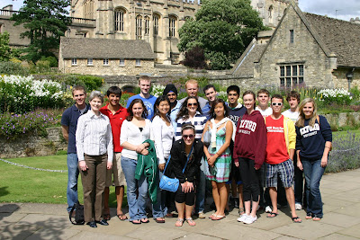 Kelly in Oxford 2009; D301 class at Christ Church, Oxford, U.K.