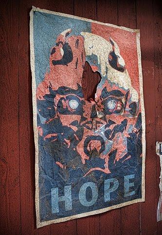 http://1.bp.blogspot.com/_csTlrhVGWsE/TEvEnLp_NMI/AAAAAAAAAIQ/yXrv4Hkh318/s1600/Transformers+3+Hope.jpg