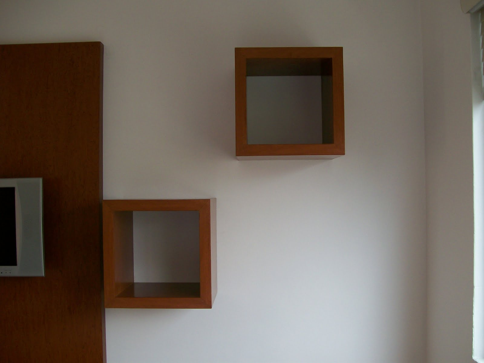 Venta mueble esquinero para tv o libros for Como hacer muebles modernos