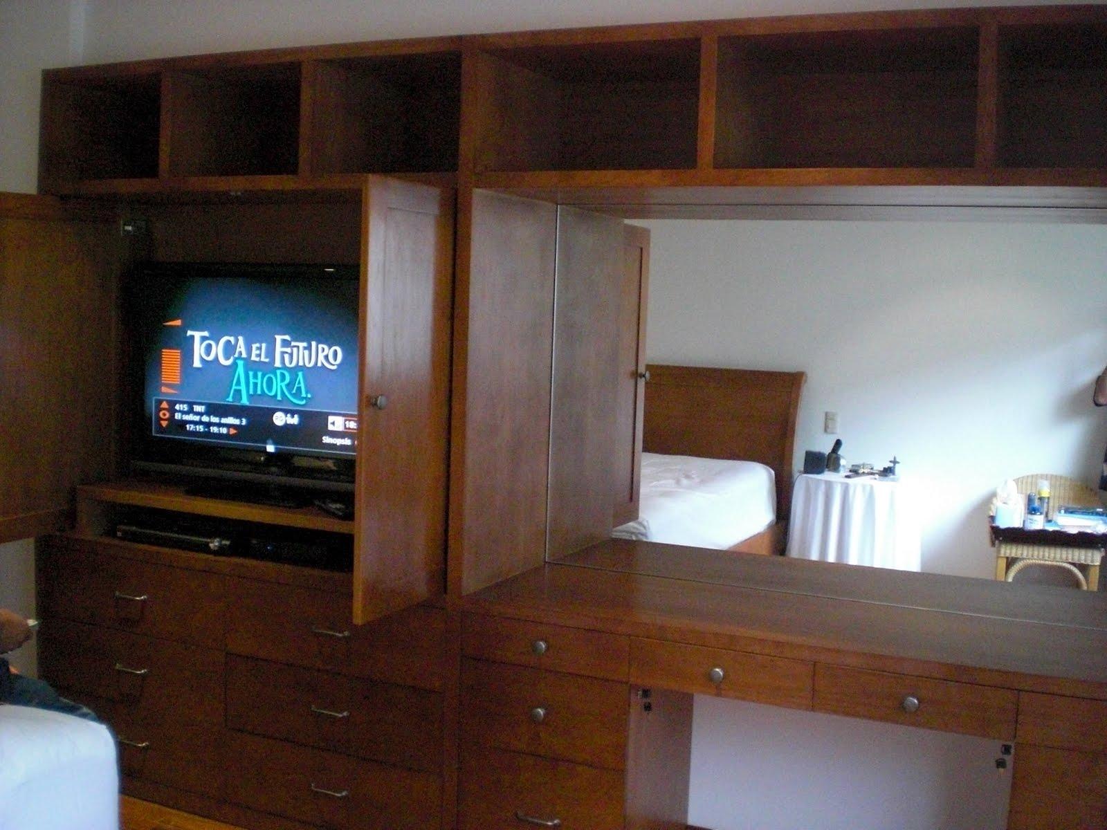 Muebles para t v muebles sobre dise o avl - Mueble para tv con puertas ...