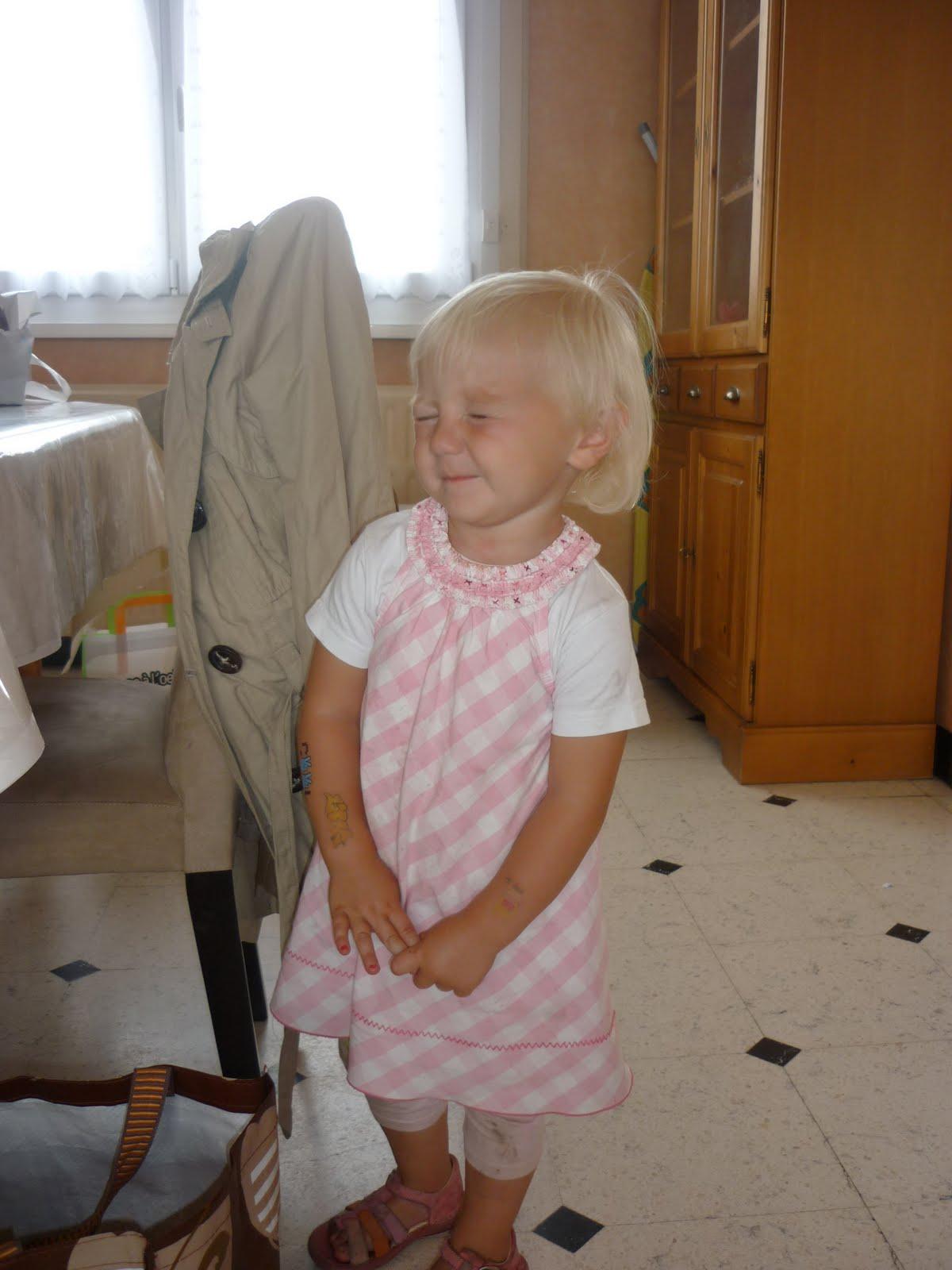 Ma petite soeur se fait baiser - Je baise ma mere dans la cuisine ...