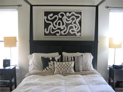 Black Bedroom Ideas on What An Effect Created With A Black Chandelier And Carved Mirrors
