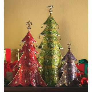 Fashion designing christmas decor 7 unique christmas tree ideas if you are one like me then this tree will amaze you with its quirkiness and genius for the eco friendly and a maverick streak this tree is not your usual solutioingenieria Choice Image