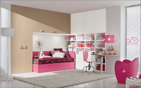 Teen room with ample light, clean lines, comfortable furnishing.