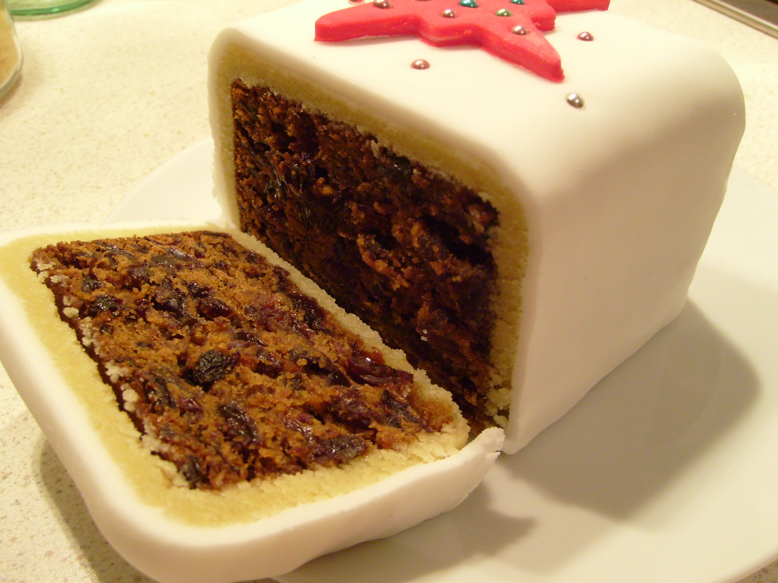 Holiday Cake Recipes Pictures : Christmas Cake Recipe - Mean Mother Cooker