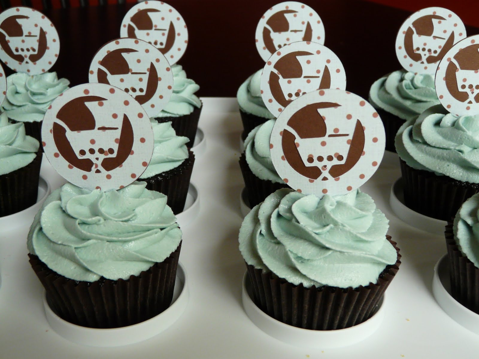 how sweet it is baby boy shower cupcakes