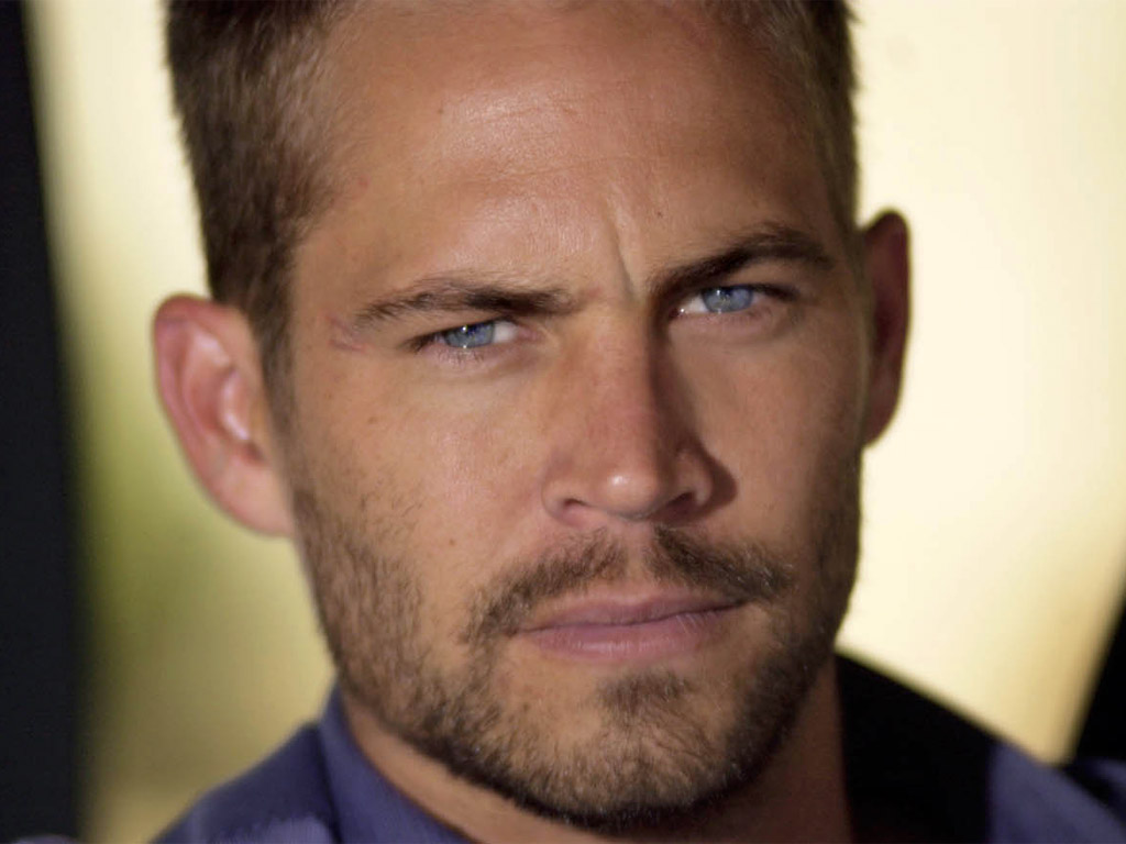 http://1.bp.blogspot.com/_cxVnL24eANo/TObVgS1UOfI/AAAAAAAABVc/dHn5kEbaWJc/s1600/paul_walker_beautiful_blue_eyes-6252.jpg