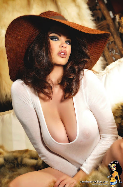 Dana Hamm Sexy Hot Pictures Big Boobs