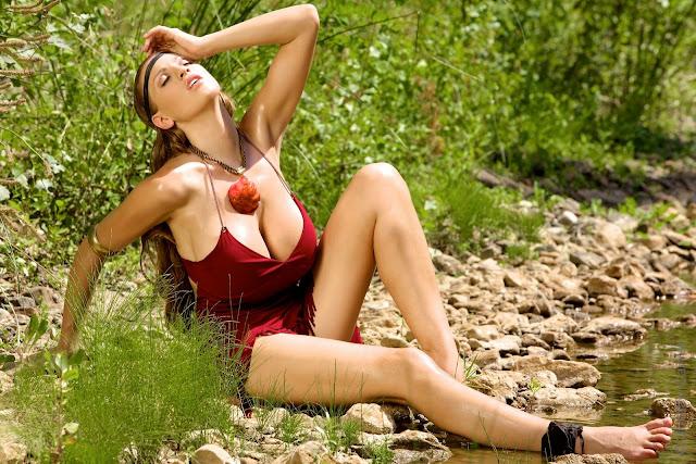 Sexy Hot Jordan Carver Pocahontas Big Boobs