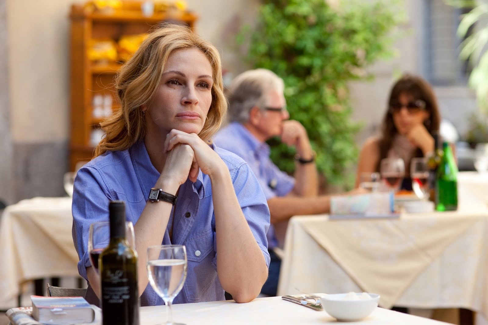 Living imperfectly movie review eat pray love don t go hungry