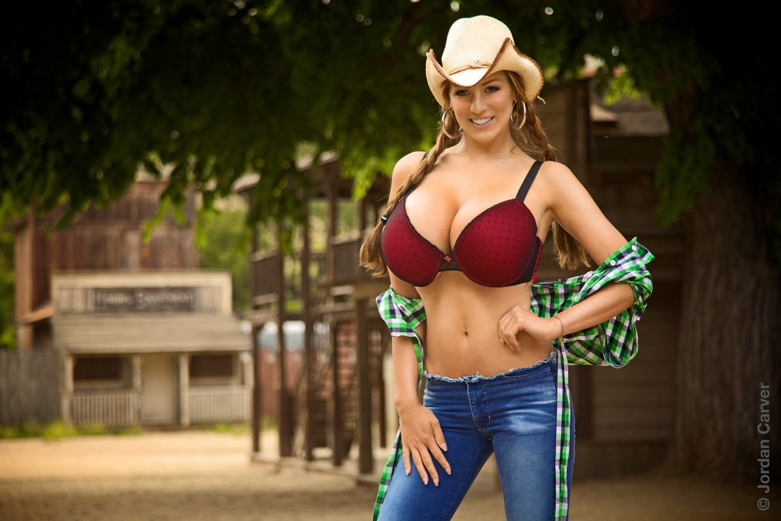 Jordan+Carver+cowgirl+photoshoot+(9).jpg