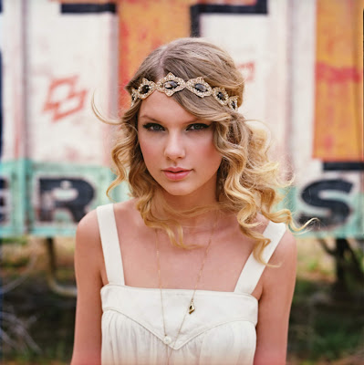 taylor swift straight hair photo shoot. Taylor Swift Wears White Tank