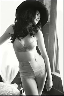 Anne Hathaway in hot fashion photo shoot for GQ magazine 2010