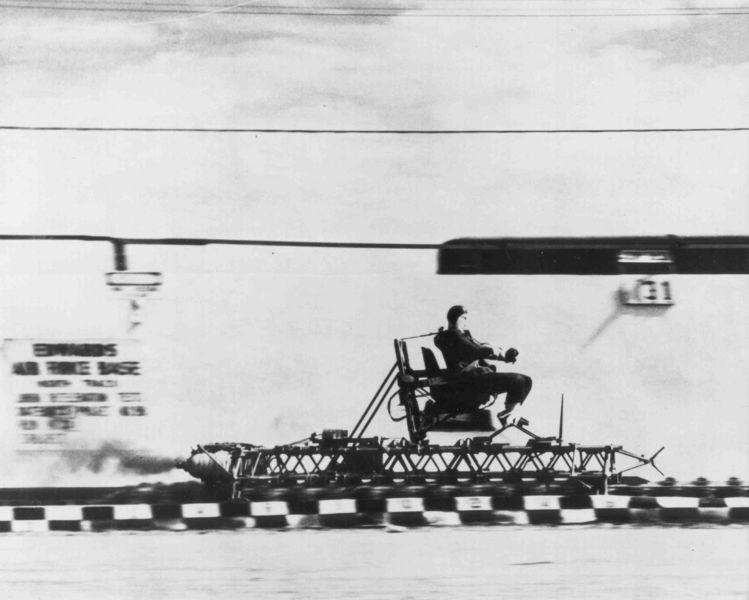 [749px-Rocket_sled_track.triddle.jpg]