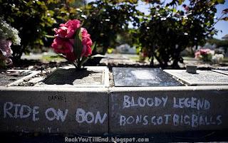 Bon Scott Grave
