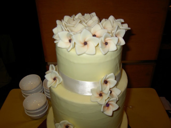 frangipani wedding cake ms
